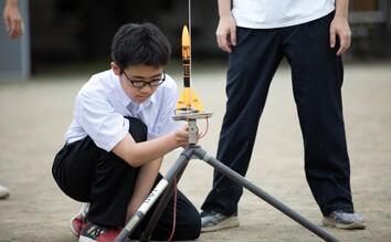 テニス部練習中の画像