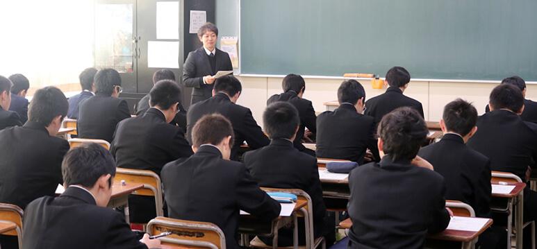 岩手高校オープンスクールの体験授業の様子